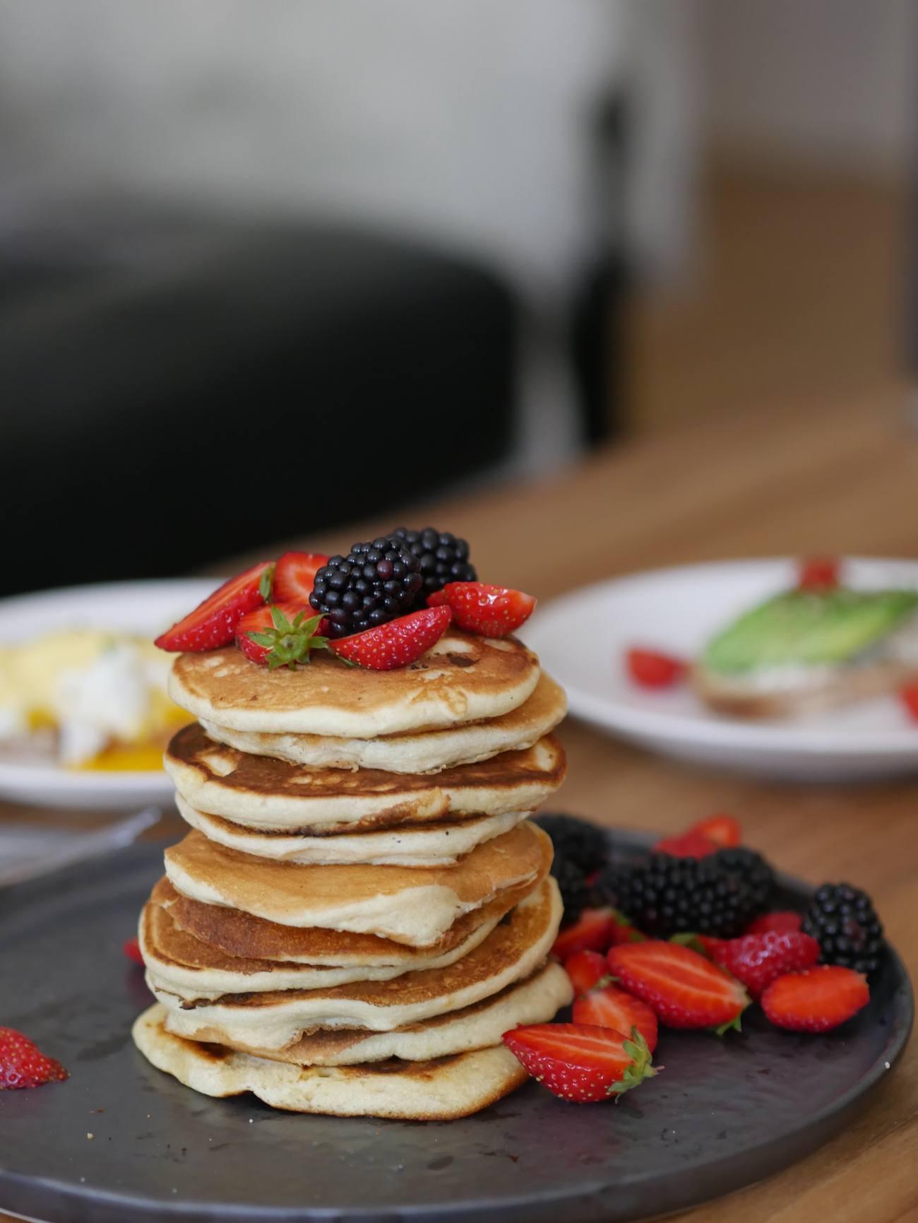 brunch-maison-recette-pancakes-toast-oeuf-benedicte-infuz-3